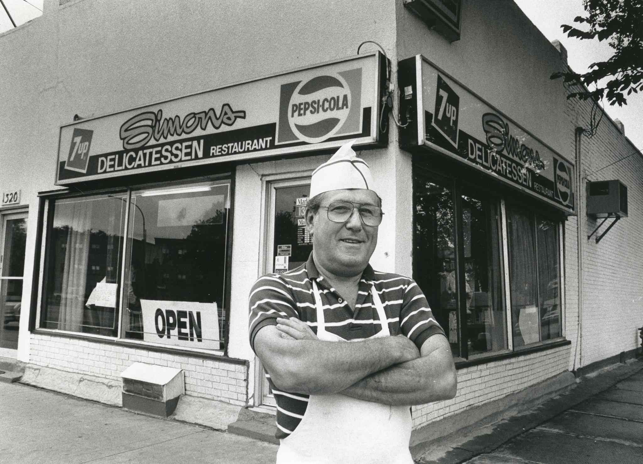 Fred Solomon's Simon's Deli, seen in 1989. (Glenn Olsen / Winnipeg Free Press files)