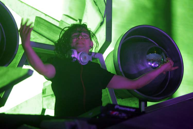 DJ Skrillex at the Full Flex Express Tour. (Boris Minkevich / Winnipeg Free Press)
