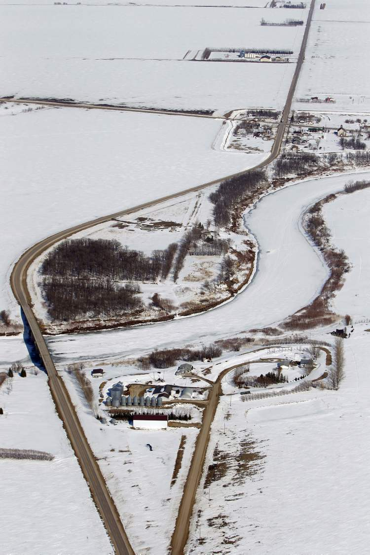 Aerial photo along the Red River north of Morris, April 10, 2013. (Boris Minkevich / Winnipeg Free Press)
