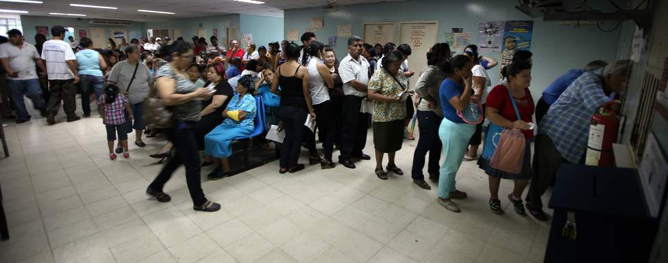 Patients line up in droves for a day clinic at Hospital Escuelda.