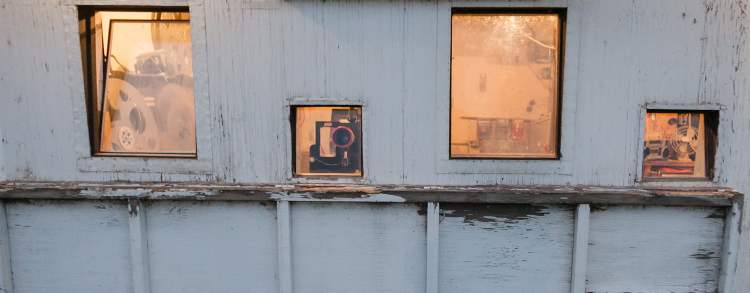 The projection windows at the Stardust Drive-In theatre in Morden. (Melissa Tait / Winnipeg Free Press)