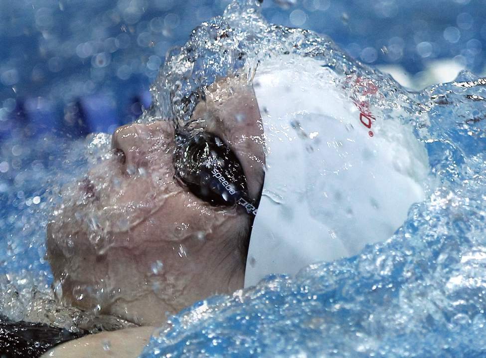 Manta Swim Club's Breanne Siwicki in the 15 year & older A final of the 200 backstroke and wins a silver medal with a time of 2:17.00 Saturday. (JOE BRYKSA / WINNIPEG FREE PRESS)