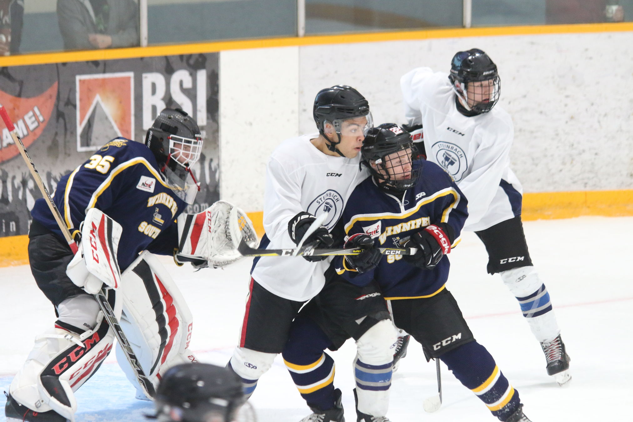 The Steinbach Pistons edged the Winnipeg Blues 6-5 Tuesday night in Steinbach in an all-rookie MJHL pre-season game.