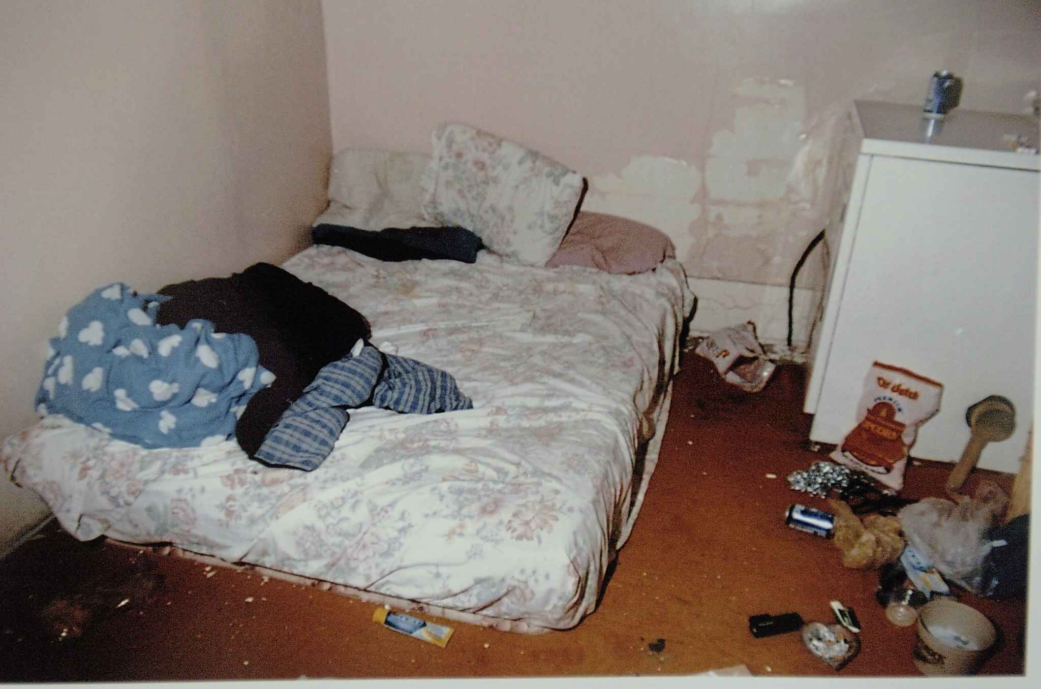 Bedding inside a house that Peter Whitmore used near Kipling, Sask., is seen in a photo used as evidence in court. (Don Healy / Leader-Post)