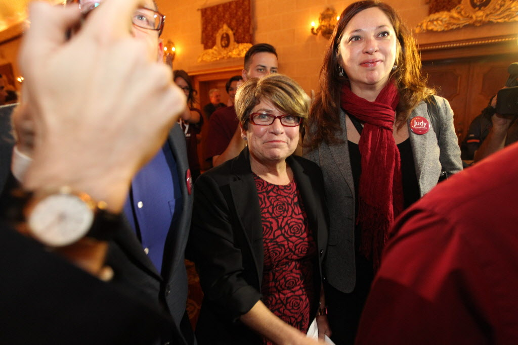 Judy Wasylycia-Leis makes her way through her crowd of supporters to the stage to give her concession speech to her followers after losing to Brian Bowman her bid to become Winnipeg's 43rd mayor of Winnipeg Wednesday night at the Fort Garry Hotel.   (Ruth Bonneville / Winnipeg Free Press)