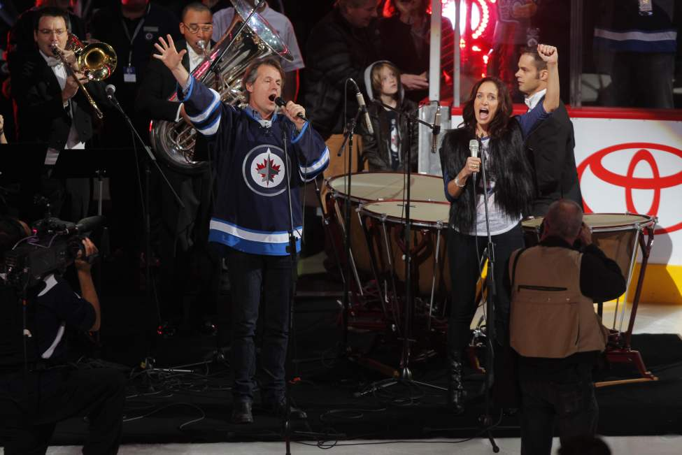 The national anthem was sung by Jim Cuddy of Blue Rodeo and Winnipeg native Chantal Kreviazuk. (Boris Minkevich / Winnipeg Free Press)