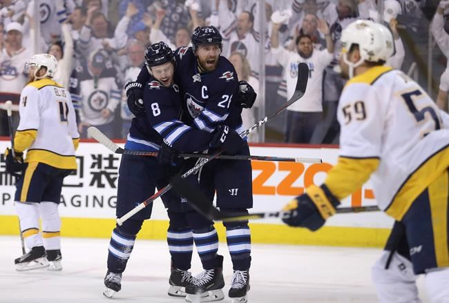 Jets overcome 3-goal deficit to soar past Predators 7-4